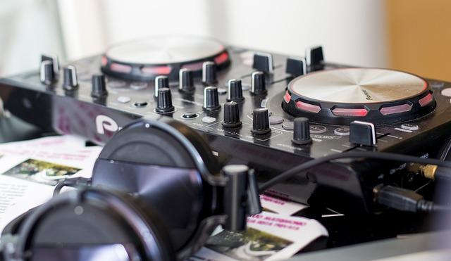 10 questions indispensables à poser à un DJ pour son mariage